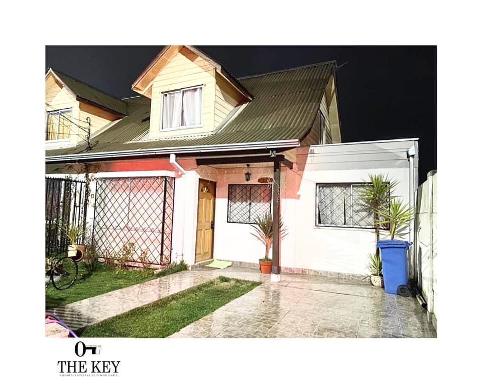 CASA EN VENTA EN TALCA. Casa ubicada en Villa Puertas del Sur, Sector sur poniente de Talca.